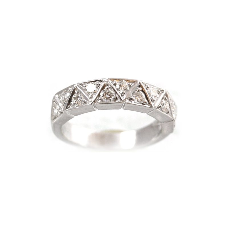 18 Karat White Gold 11 Diamond Wedding Band