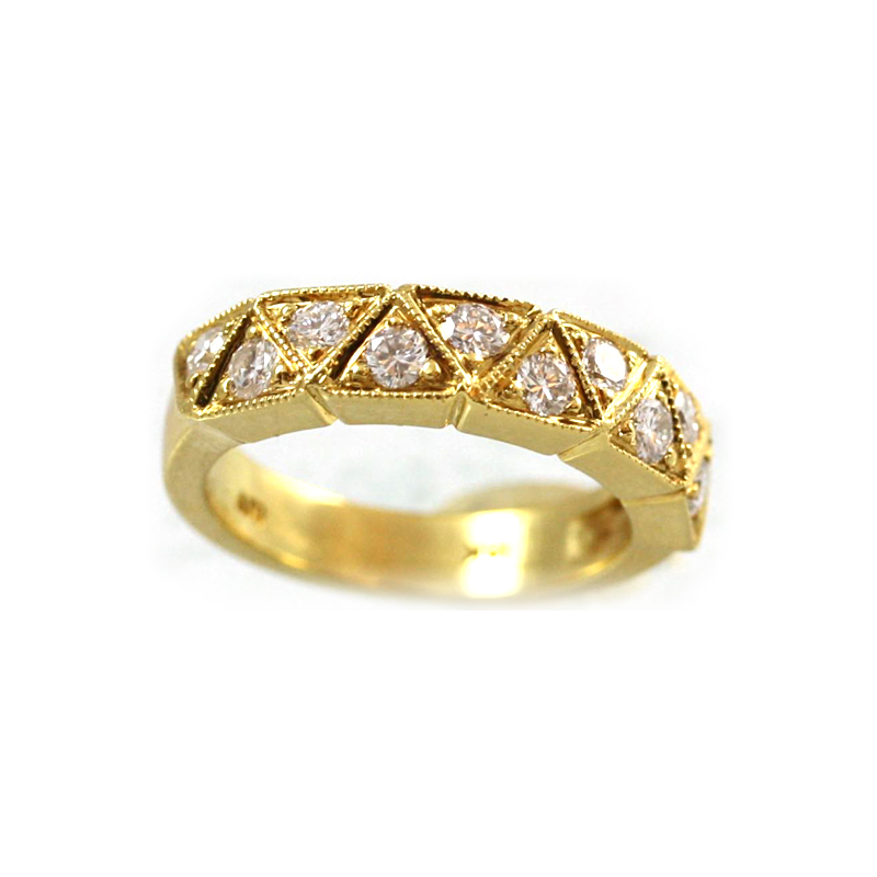 18 Karat Yellow Gold 11 Diamond Wedding Band
