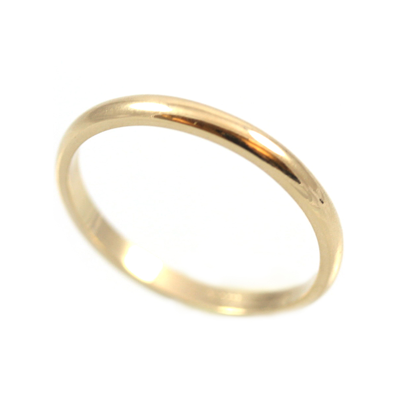 Vintage 14 Karat yellow gold plain 2mm wedding band.
