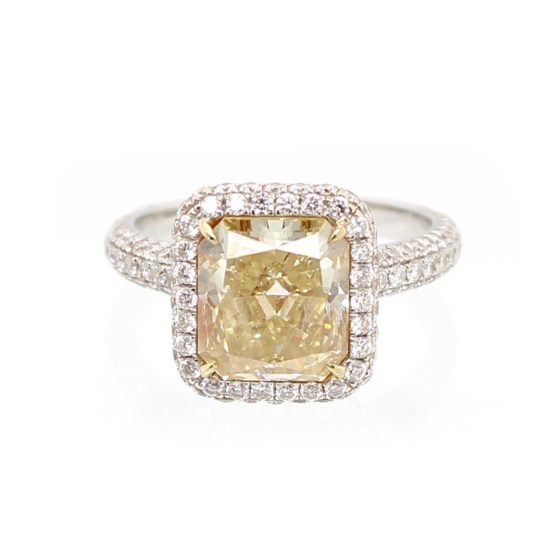 Vintage 18 Karat White Gold GIA Certified Natural Fancy Diamond Ring