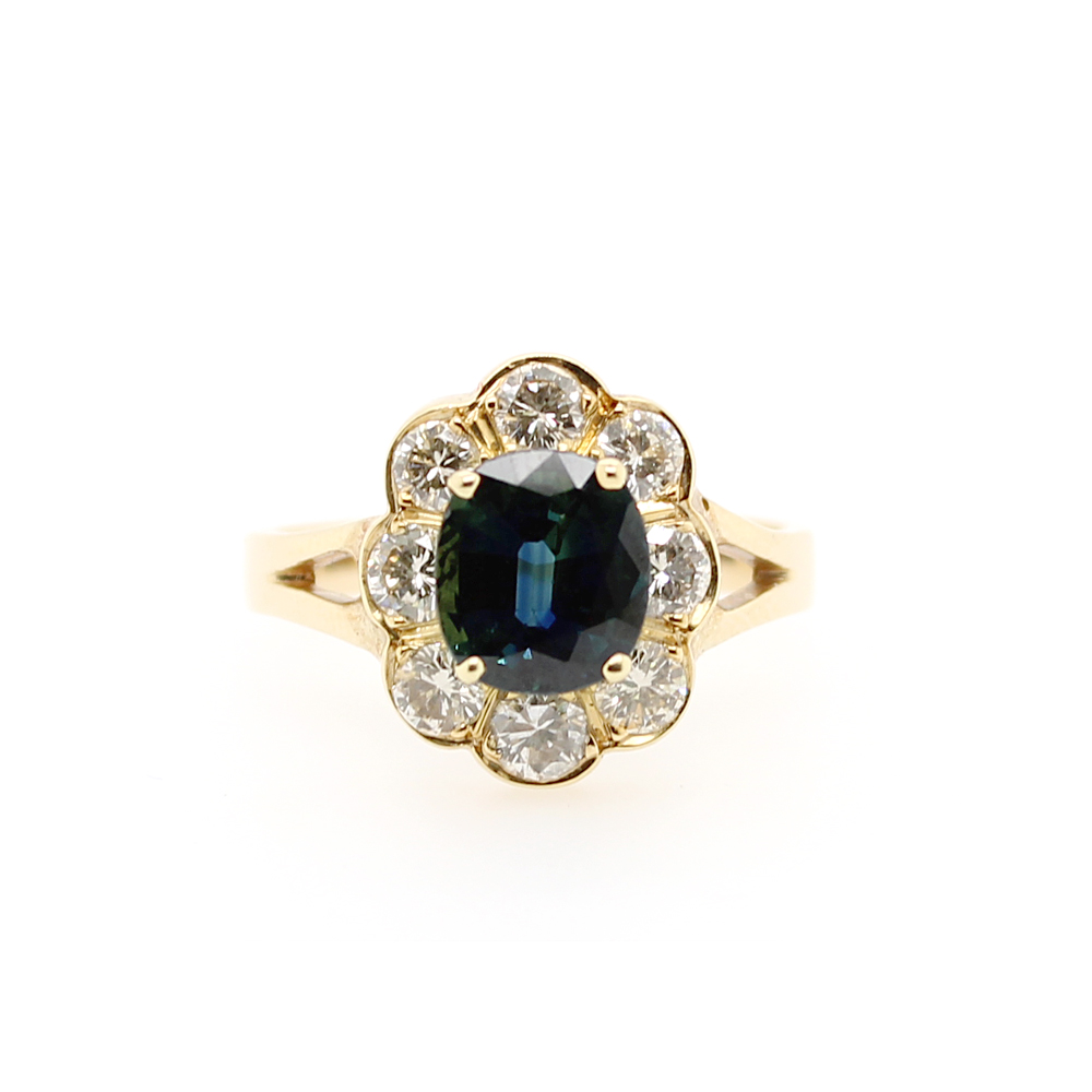 Vintage 14 Karat Yellow Gold Diamond and Oval Sapphire Ring
