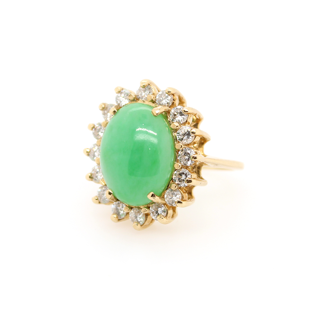 Vintage 14 Karat Yellow Gold Diamond and Oval Jade Ring