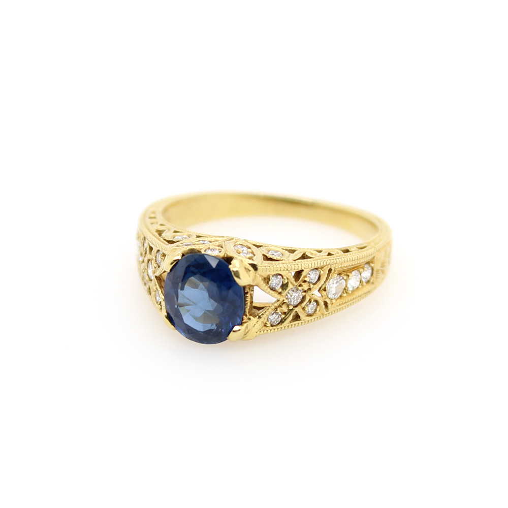 Vintage 18 Karat Yellow Gold Diamond and Sapphire Ring