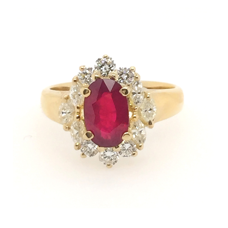 Vintage 18 Karat yellow gold, ruby and diamond ring