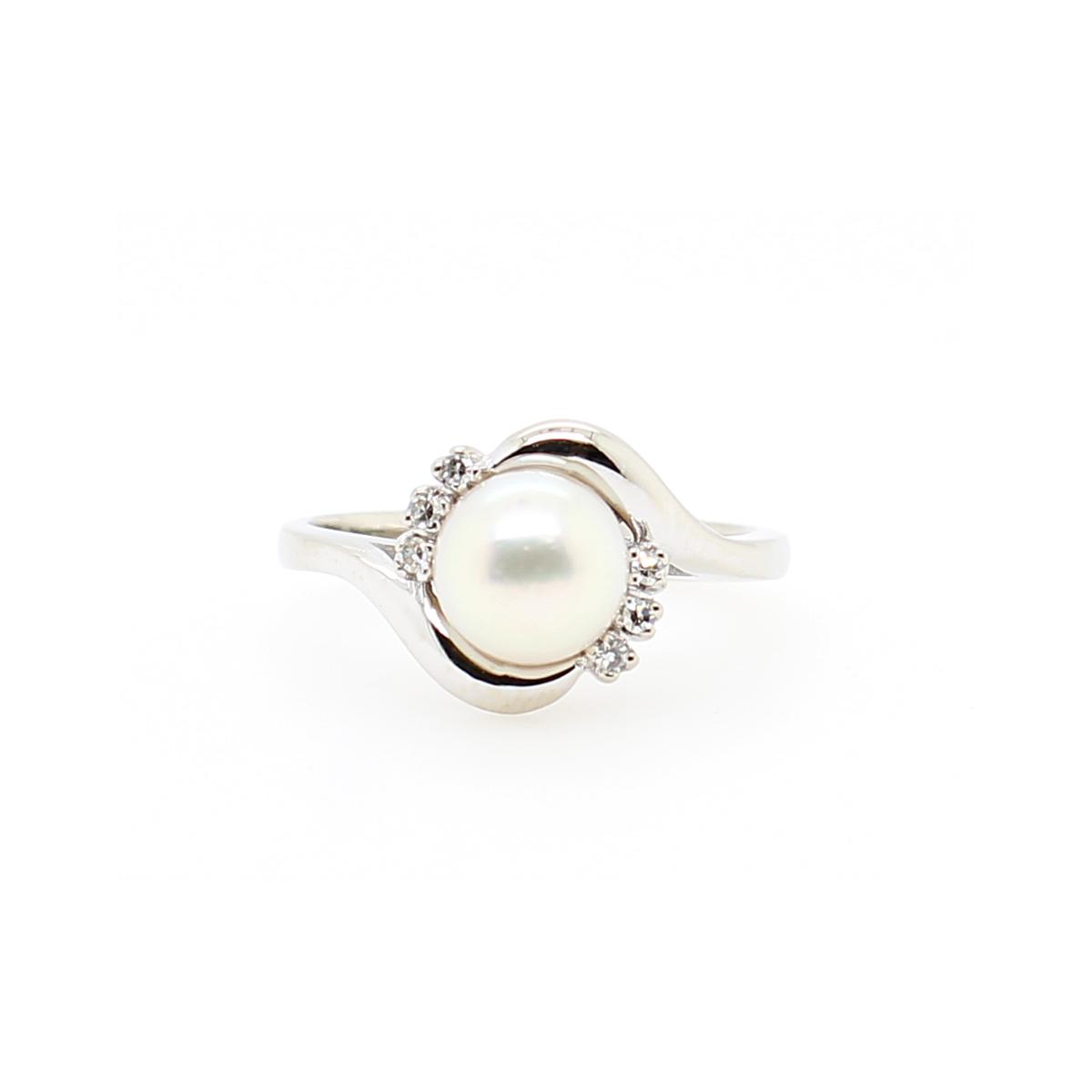 Vintage 14 Karat White Gold Akoya Pearl and Diamond Ring