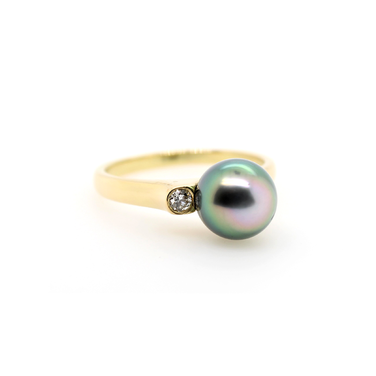 Vintage 18 Karat Yellow Gold Tahitian Pearl and Diamond Ring