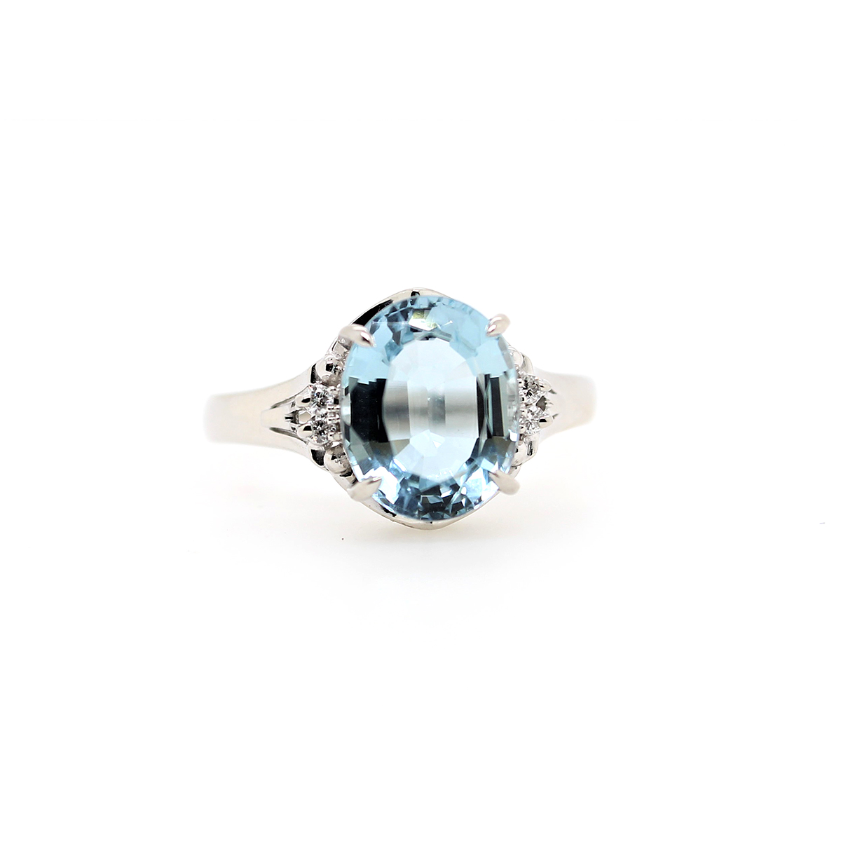 Vintage Platinum Aquamarine and Diamond Ring