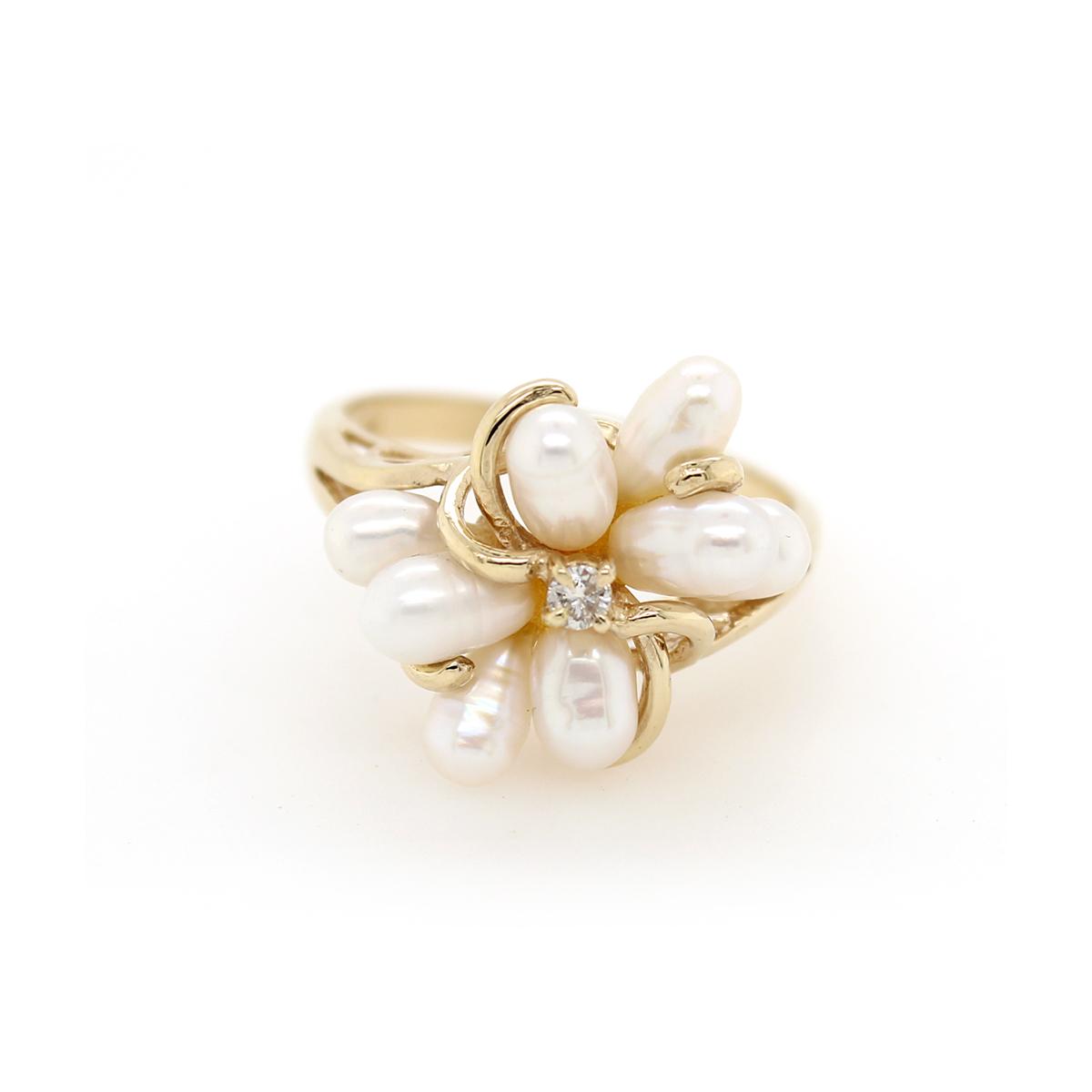 Vintage 14 Karat Yellow Gold Diamond and Pearl Ring