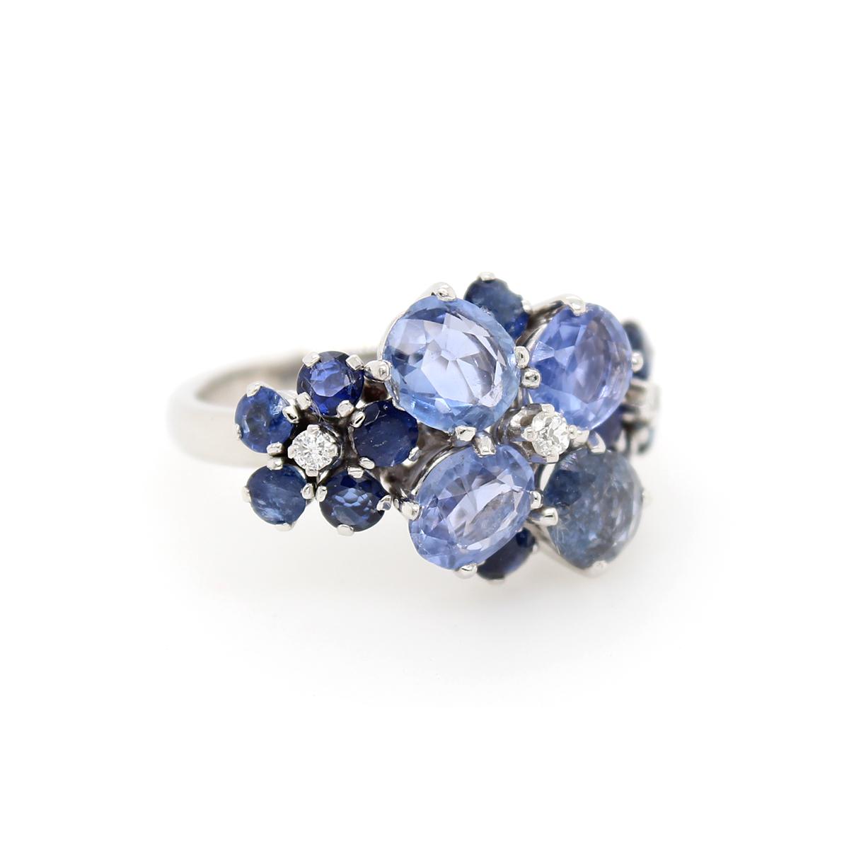 Vintage 18 Karat White Gold Blue Sapphire and Diamond Flower Ring