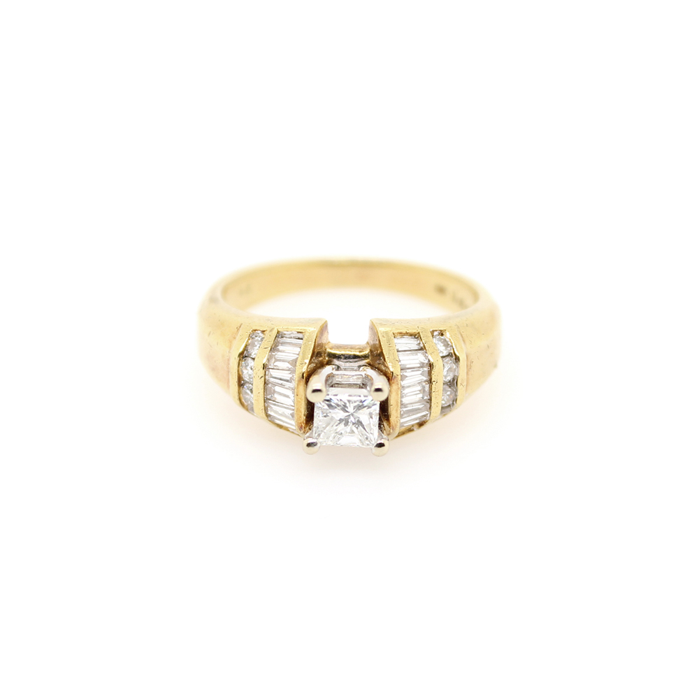 Vintage 18 Karat Yellow Gold Diamond Ring