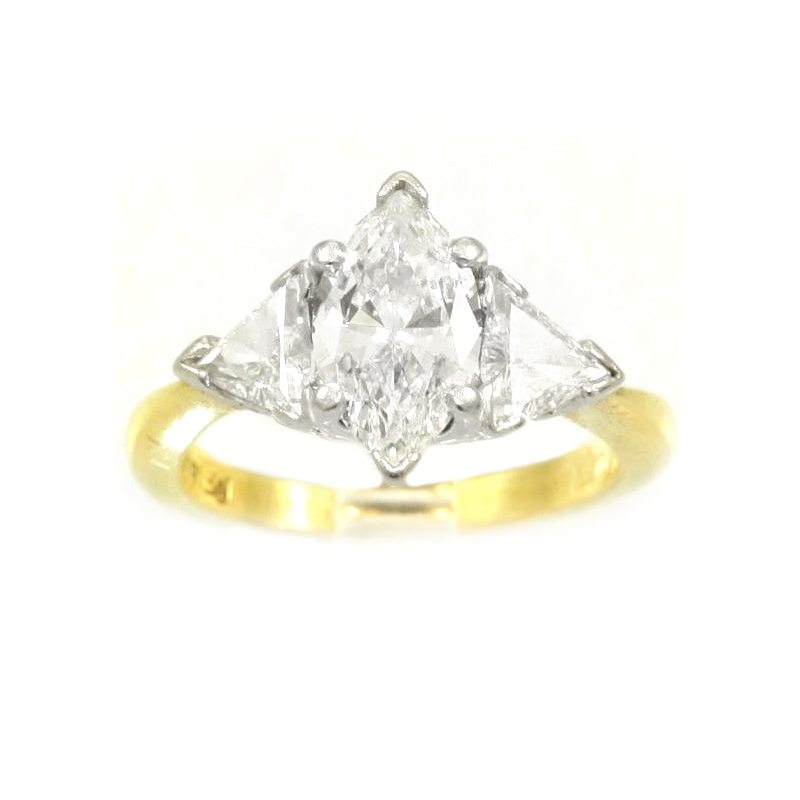Vintage 18 Karat yellow gold and diamond ring.