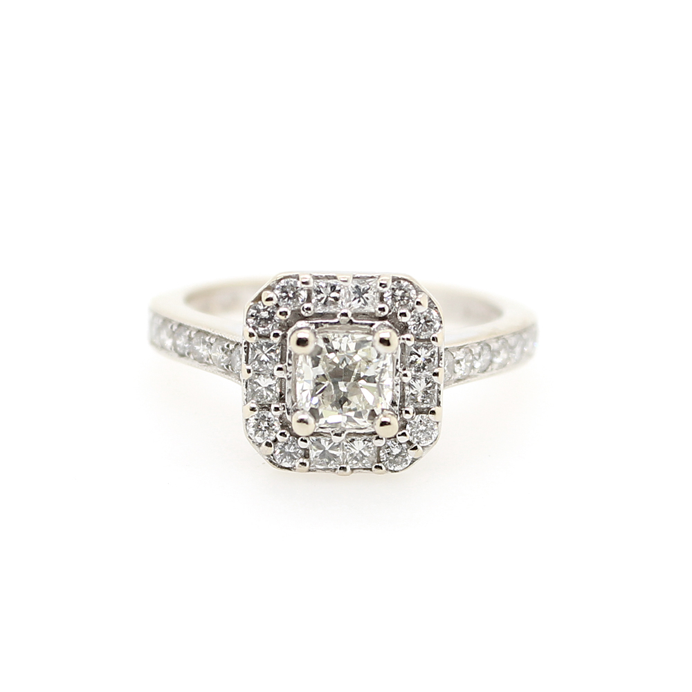 Estate 14 Karat White Gold Diamond Ring