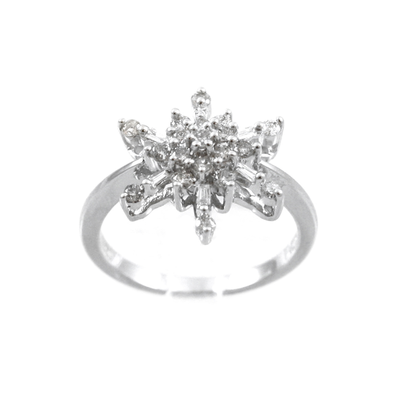 Pretty 14 Karat White Gold Snowflake Diamond Ring.