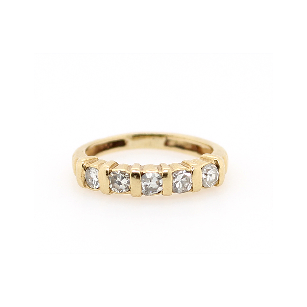 Vintage 14 Karat Yellow Gold Diamond Row Ring