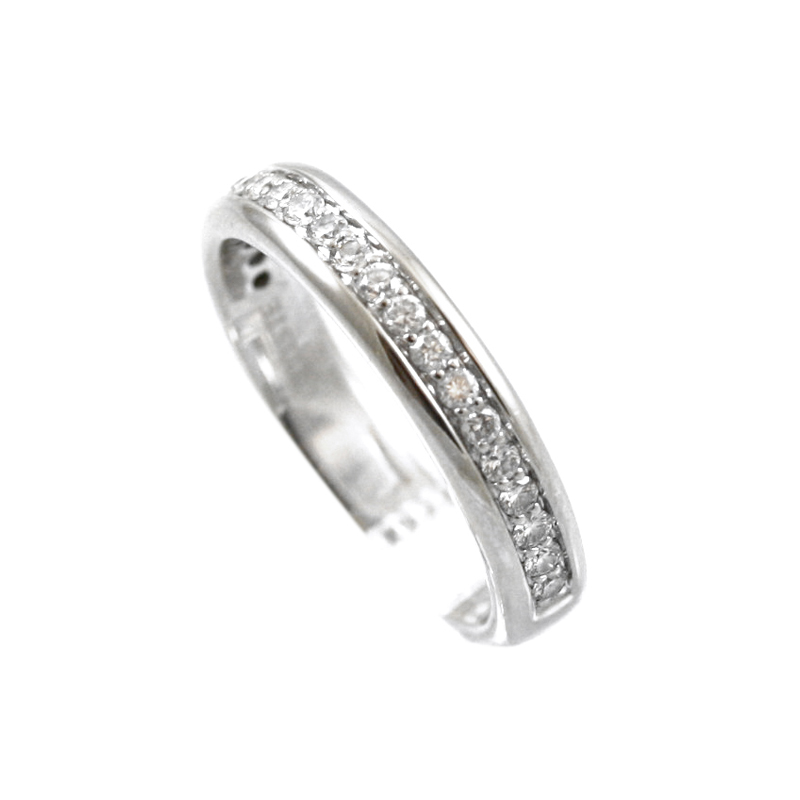 14 Karat White Gold Diamond Wedding Band .