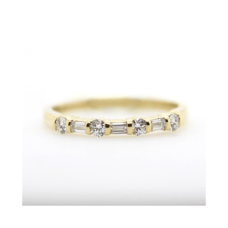 Vintage 18 Karat yellow gold diamond band