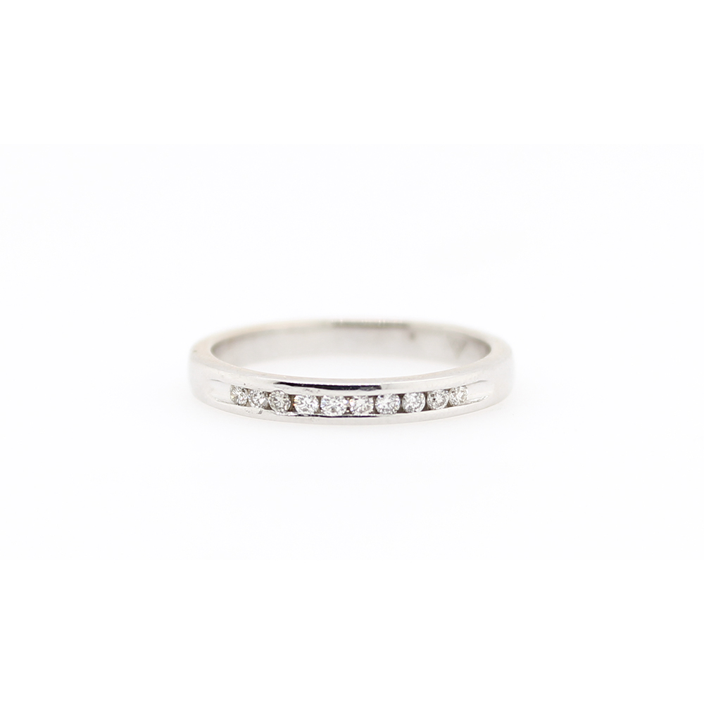 Estate 14 Karat White Gold diamond Wedding Band