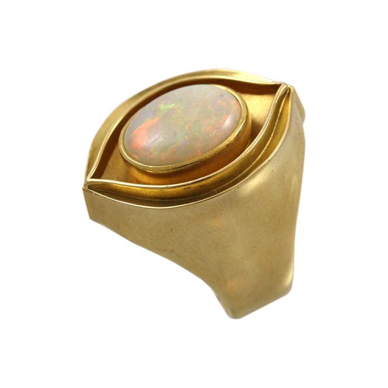 18 Karat Yellow Gold And Opal Ring