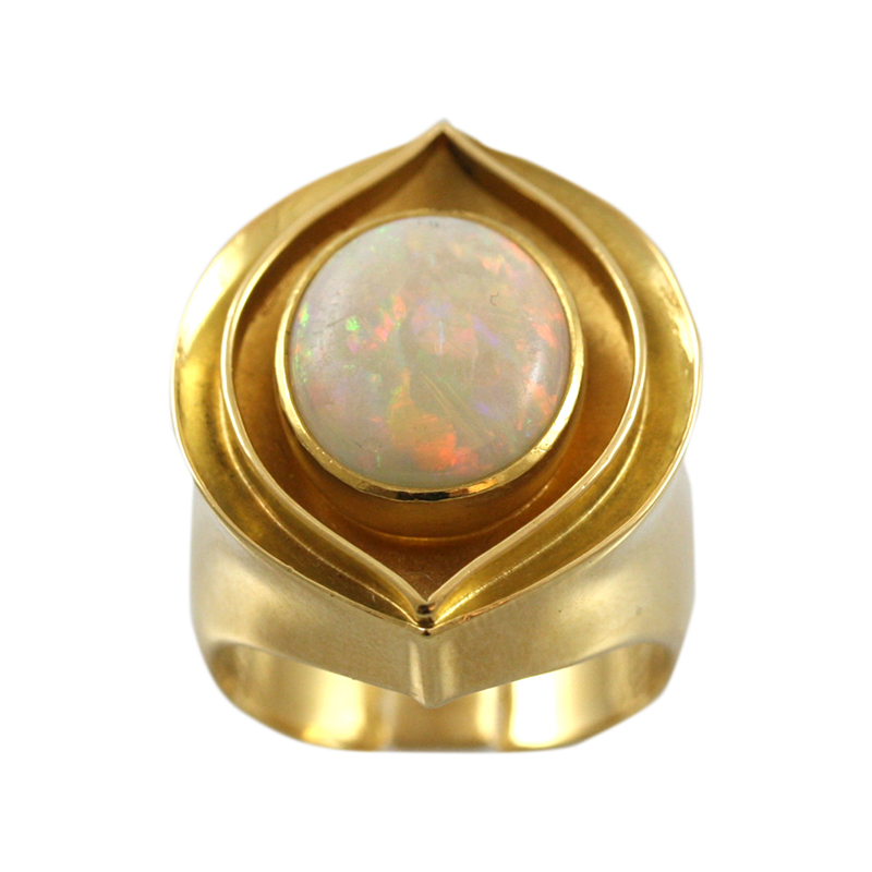18 Karat Yellow Gold And Opal Ring