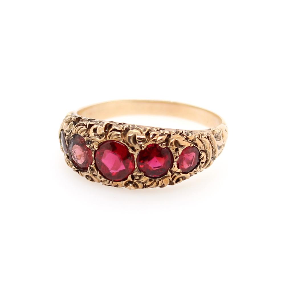 Vintage 14 Karat Yellow Gold Garnet Ring