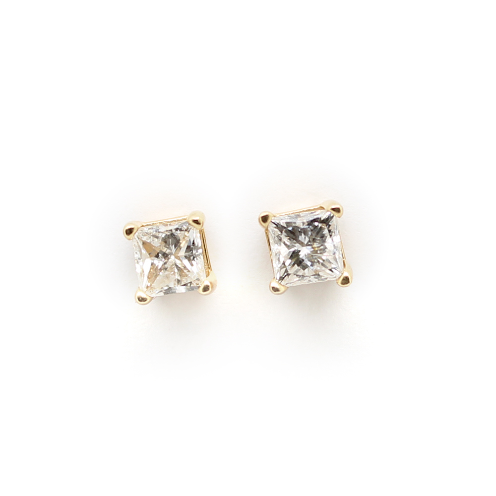 Vintage 14 Karat Yellow Gold Diamond Earrings