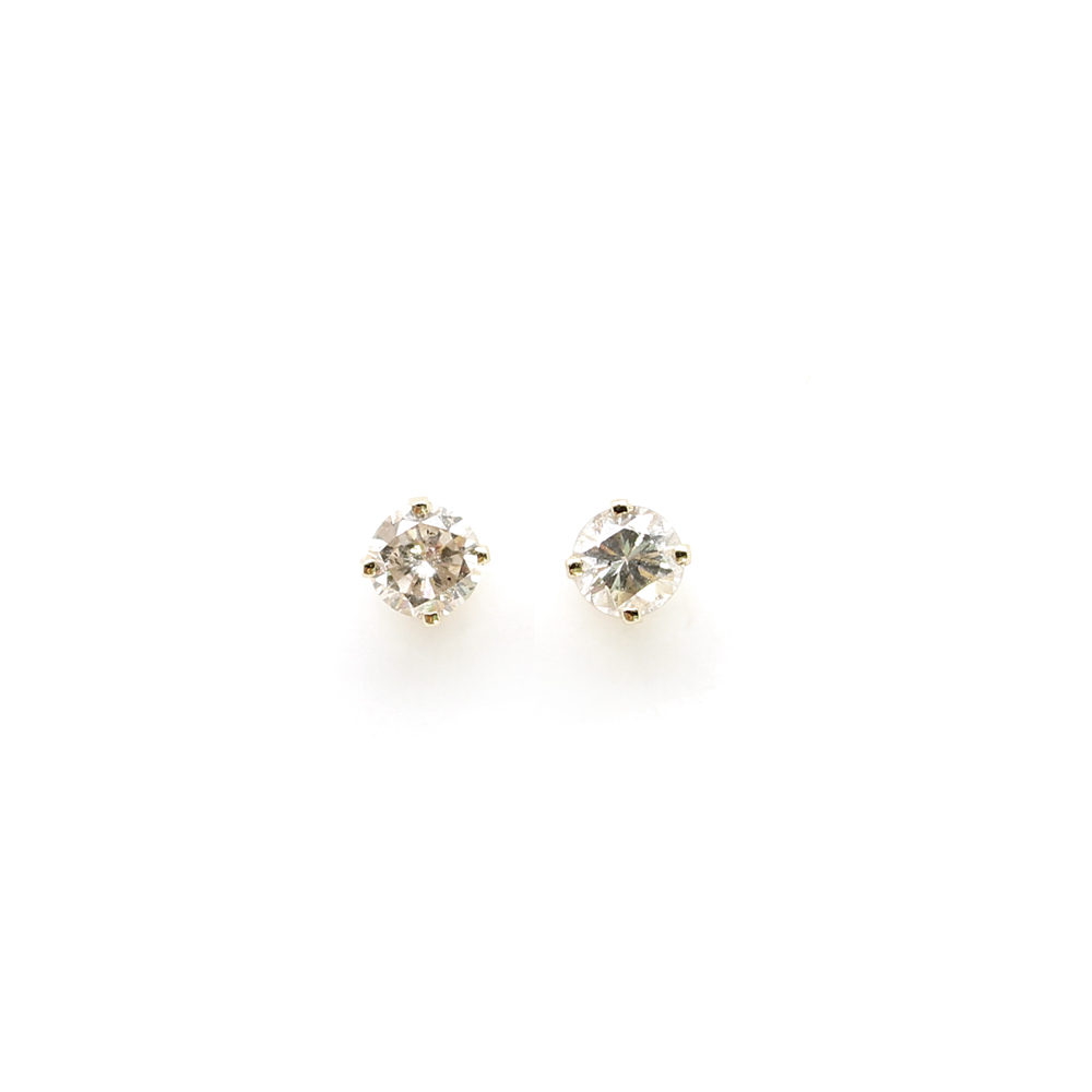 Estate 14 Karat Yellow Gold Diamond Stud Earrings