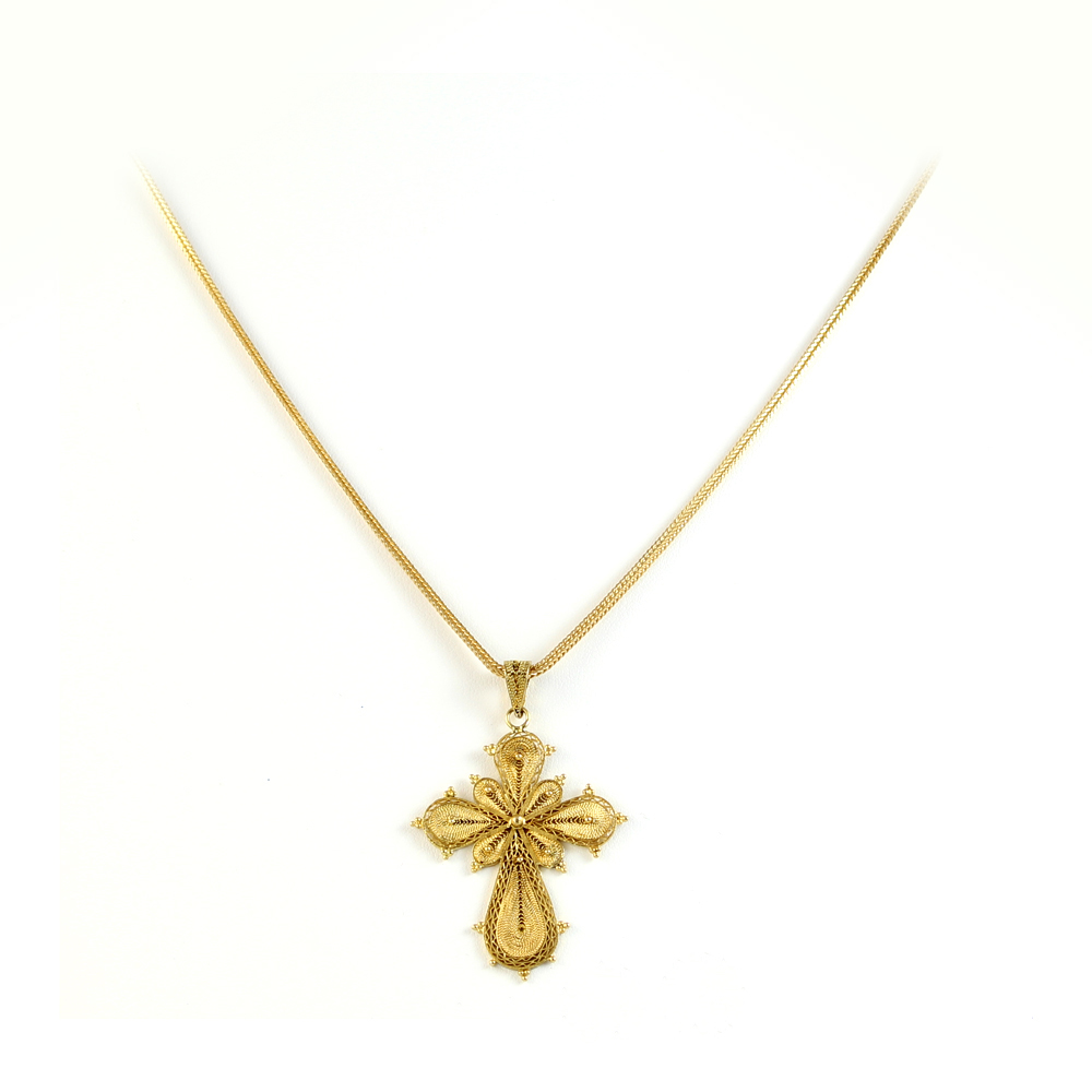 Vintage 18 Karat Yellow Gold Cross Pendant Necklace