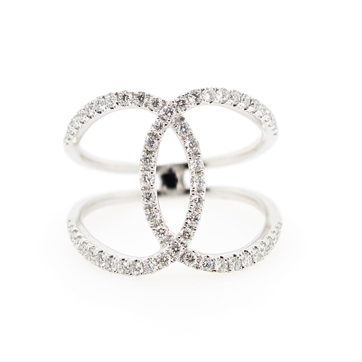 18 Karat White Gold Interlocking Diamond Ring