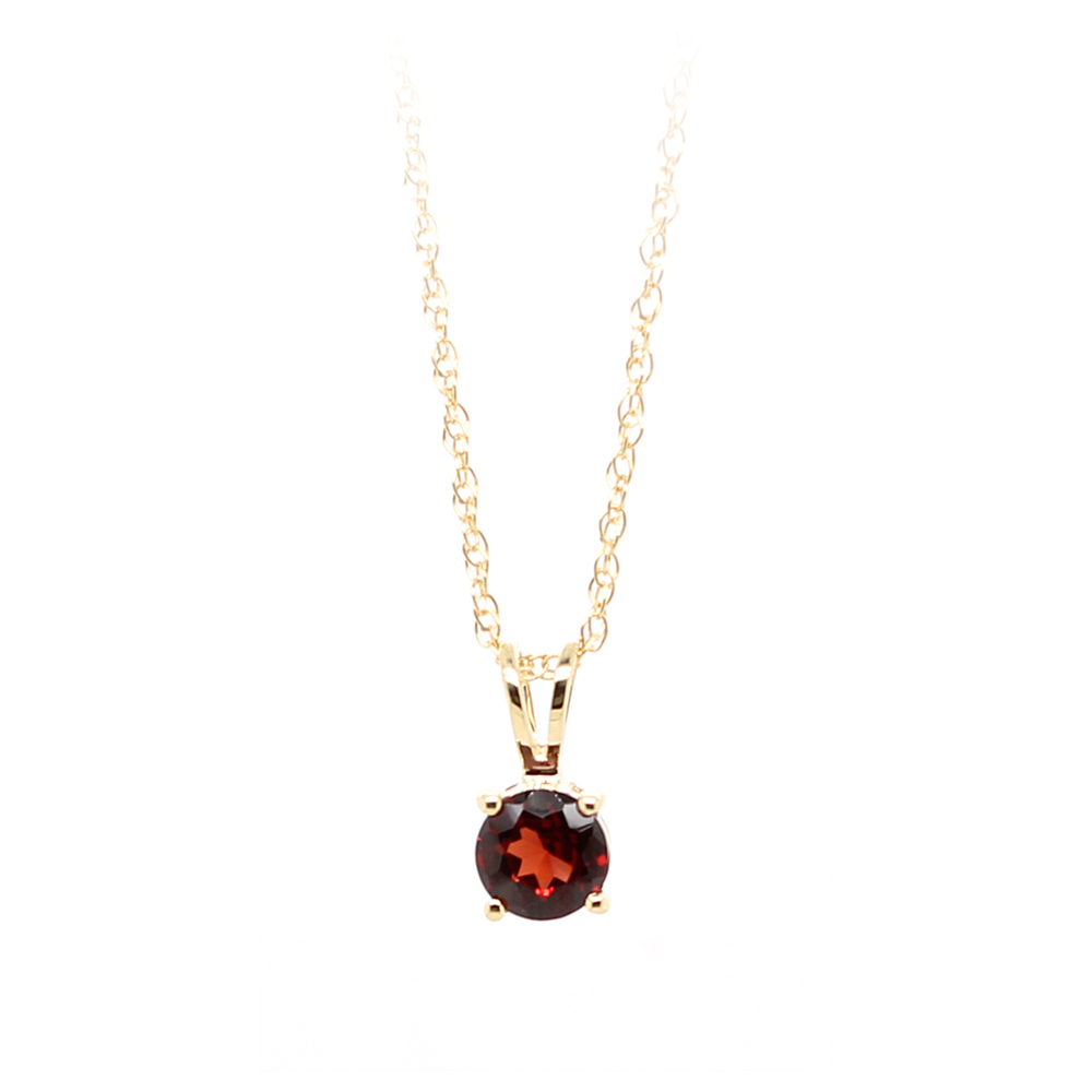 14 Karat Yellow Gold Garnet Pendant Necklace