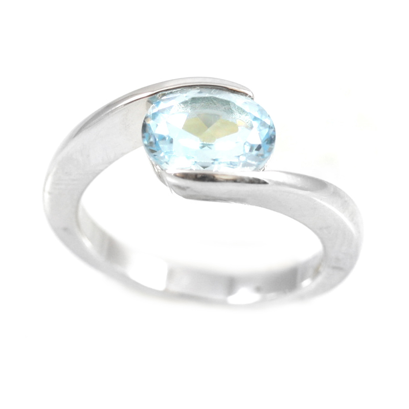 Sterling silver Oval Blue Topaz Ring.