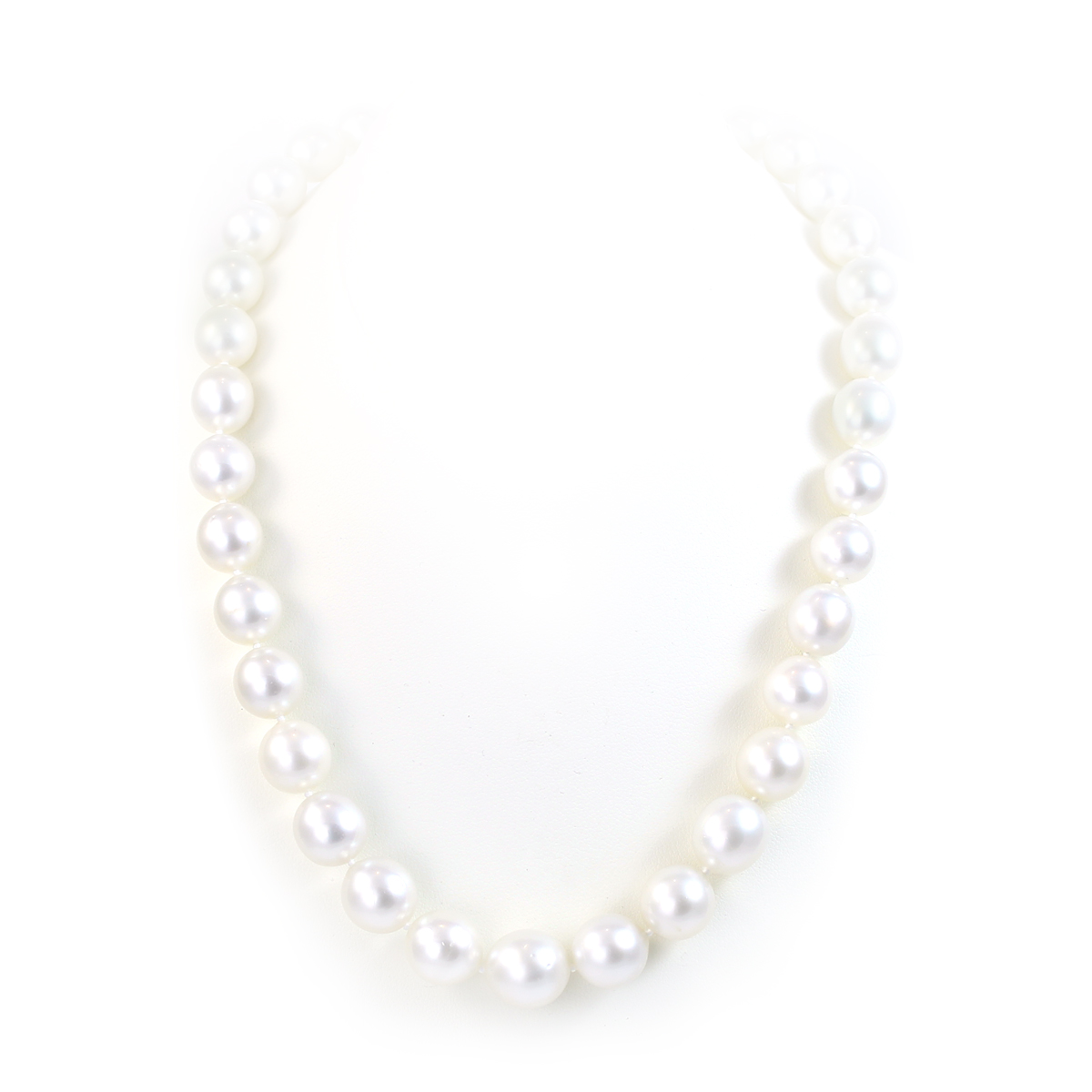 China Pearl 14 Karat White Gold 10-11.5mm White South Sea Pearl Necklace