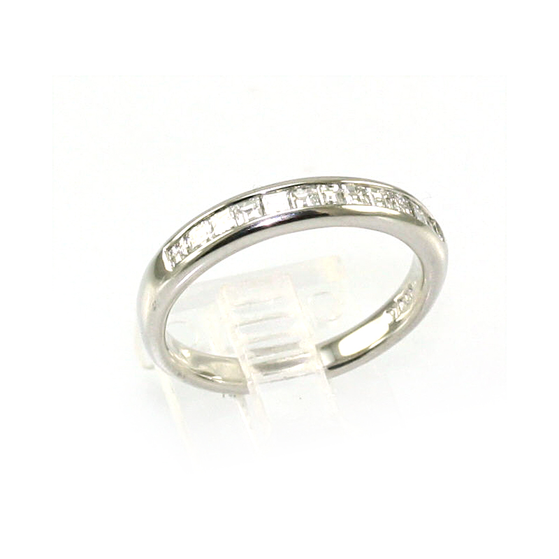 Platinum 12 Diamond Wedding Band